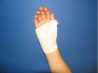 Picture of Short open wrist orthosis with thumb metal strip (C170)